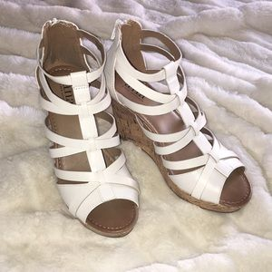 NIB. White Open Toe Sandal Wedges